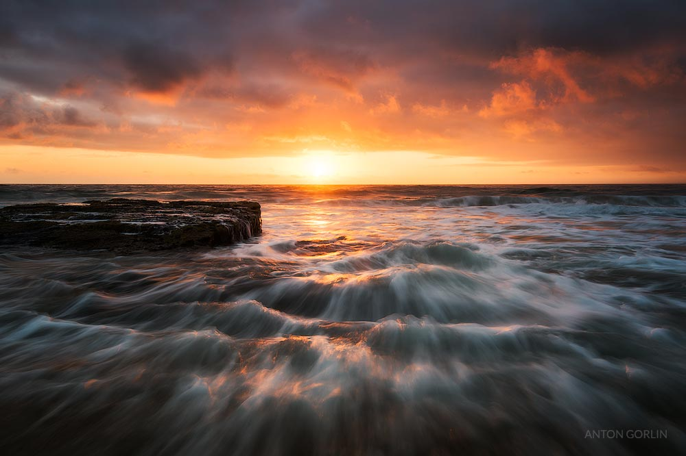 Maroubra Beach rocks beautiful sunrise with flowing water